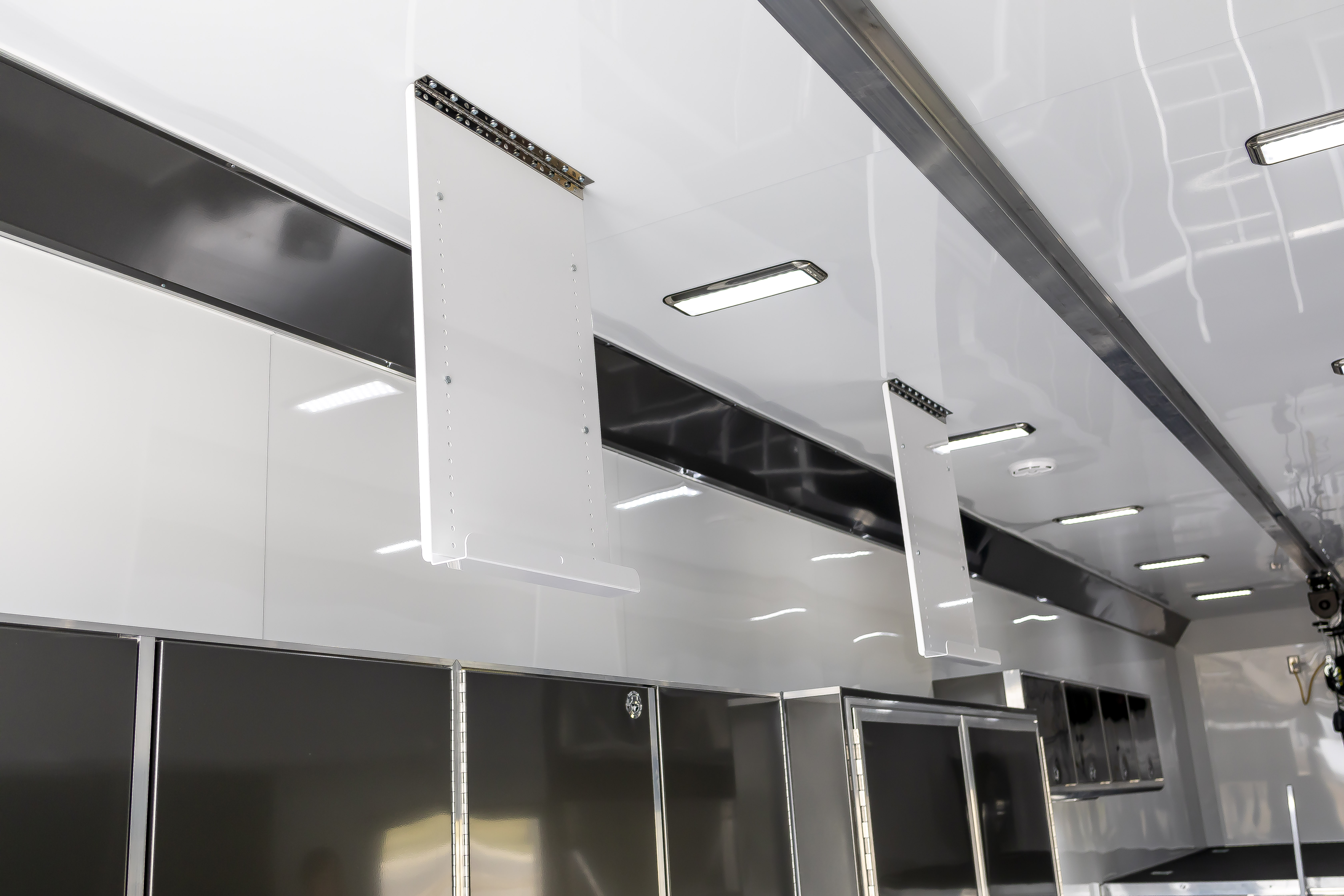 TOP WING SECURING PANEL - EXTENDED LENGTH - CEILING MOUNT - WHITE